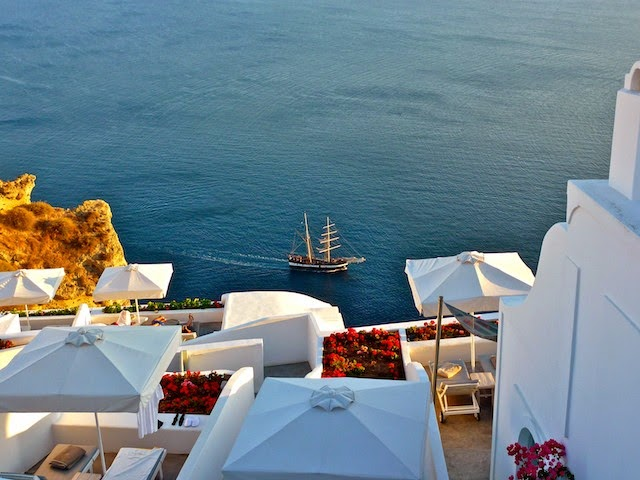 10 Awesome Things to do in Santorini