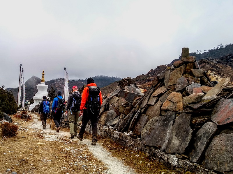 Ama Dablam: Elias & Team Spend an Extra Rest Day at Khumjung