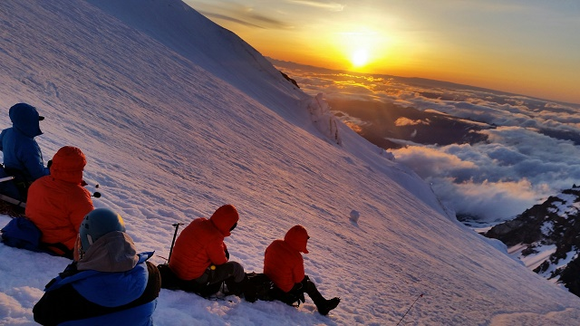 Mt. Rainier: Okita, Konway, & Team Reach Columbia Crest with Beautiful Weather